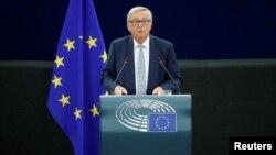 ژان کلود یونکر، رئیس کمیسیون اروپا در پارلمان اروپا سخنرانی کرد.