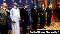 Ba présidents Faustin Archange Touadera ya RCA (2e D), Joao Lourenço ya Angola (3e D), Denis Sassou N'Guesso ya Congo-B. (C) mpe Idris Deby ya Tchad ((2e G) na likita lya CIRGL na Luanda, Angola, 29 janvier 2021. (Twitter/Thierry Moungalla)