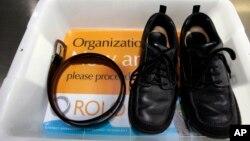 Para quienes viajen a Estados Unidos, los zapatos vuelven a ser una preocupación en los aeropuertos.