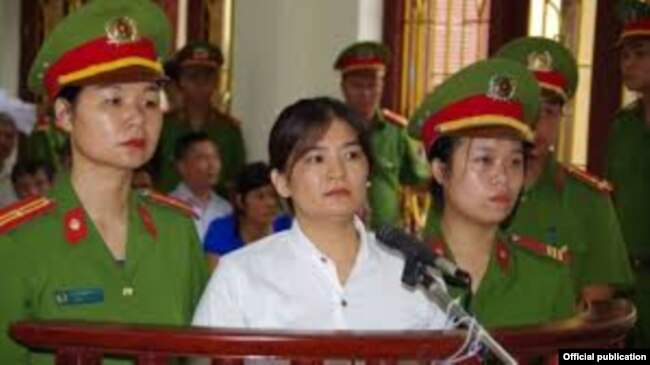 Activist Tran Thi Nga appears at courtroom in Ha Nam Province, July 25 2017.