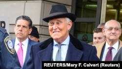 Rodžer Stoun po izricanju presude pred Federalnim okružnim sudom (Foto: REUTERS/Mary F. Calvert)