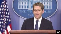 23일 정례 브리핑 중인 제이 카니 백악관 대변인.