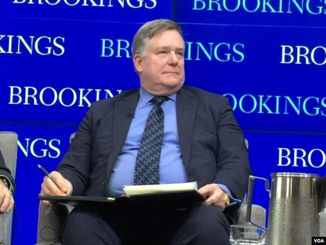 小布什總統任內的總統特別助理兼國安會東亞事務資深主任韋德寧在一個研討會上(美國之音莉雅拍攝)