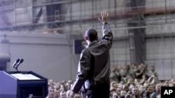 Обама во ненајавена посета на Авганистан