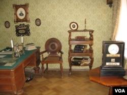圣彼得堡俄国作家陀思妥耶夫斯基故居博物馆。(美国之音白桦拍摄)