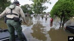 Graničana patrola SAD sprovodi operaciju spasavanja u Hjustonu