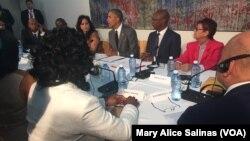 奧巴馬總統3月22日與古巴異議人士會晤。
