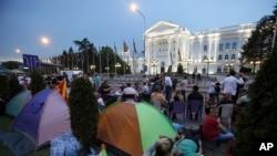 Tendat e protestuesve në Shkup