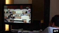 5月4日利比亚电视现场转播利比亚议会会议的实况