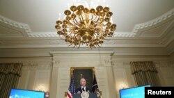 El presidente Joe Biden ordenó al Departamento de Justicia que se termine el uso de instalaciones privadas como prisiones.