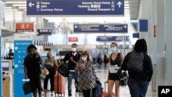 En marzo, el presidente de Estados Unidos, Donald Trump, anunció restricciones de viaje para 26 países europeos en un esfuerzo por contener la propagación del coronavirus.