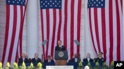Tổng thống Mỹ Barack Obama phát biểu trong lễ kỷ niệm Ngày Cựu chiến binh hàng năm tại Nghĩa trang Quốc gia Arlington ở Arlington, Virginia, ngày 11/11/2015.