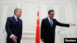 加拿大和中國外長2020年8月25日在羅馬會晤(路透社)