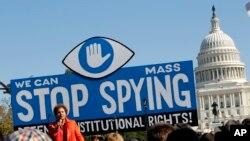 Biểu tình bên ngoài Quốc hội Mỹ yêu cầu điều tra các chương trình giám sát của NSA.