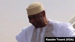 Président ya kala ya Mali Amadou Toumani Touré na bozongi na ye na Bamako, Mali. 24 décembre 2017