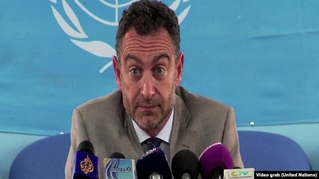 Acting UNMISS head Toby Lanzer tells reporters in Juba on Aug. 28, 2014 that all flights to Bentiu have been grounded following a helicopter crash that killed three Russian crew members.