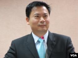 台灣執政國民黨立委 吳育仁(美國之音張永泰拍攝)