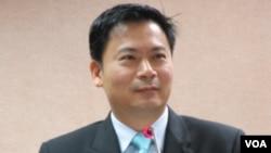 台湾执政党国民党立委吴育仁 (美国之音张永泰拍摄)