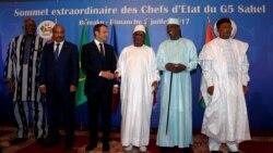 2Rs, África Ocidental, o sentimento antifrancês