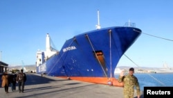 Salah satu kapal cargo Denmark yang bertugas mengangkut senjata kimia Suriah (foto: dok).