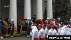 Presiden Joko Widodo meminpin Upacara Peringatan Hari Lahir Pancasila di halaman Gedung Pancasila Kementerian Luqr Negeri Jakarta, Kamis (1/6).