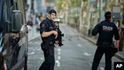 Cảnh sát Tây Ban Nha cho hay rằng chiến dịch an ninh đang được tiến hành ở vùng Catalonia và trên khu vực biên giới với Pháp.