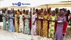 VOA60 AFIRKA: NIGERIA 'Yan Mata 21 Cikin Sama Da 200 Da Aka Sace Sun Sake Haduwa Da 'Yan Uwansu