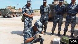 俄罗斯与中国军队每年都举行许多活动。中国军队去年夏季在离莫斯科不远的梁赞州参加俄罗斯主办的军事比赛。(美国之音白桦拍摄)