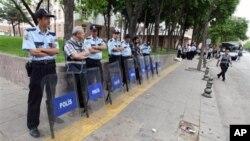 Полиция на улицах Анкары. 2 июня 2013г.