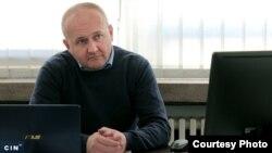 """Elvedin Grabovica, bivši generalni direktor """"Elektroprivrede BiH"""", smatra da je Ured za razmatranje žalbi odgovoran za štetu koju je ovo javno preduzeće moralo platiti. (Foto: CIN)"""