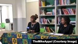 Sibongile Ndashe, à gauche, directrice exécutive de l'ONG Initiative for Strategic Litigation in Africa (ISLA) lors d'une conférence de presse, en Afrique du Sud, 28 octobre 2017. (Twitter/TheMikeAppel)