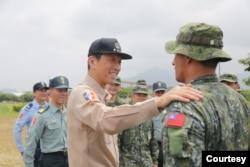 """台湾前参谋总长李喜明上将提出""""整体防卫构想""""。(李喜明提供)"""