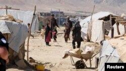 در حال حاضر پنج میلیون و ۶۹۱ هزار و ۴۶۶ تن افغانها در بیرون از افغانستان مهاجر و پناهنده اند