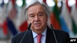 រូបឯកសារ៖ អគ្គលេខាធិការអង្គការសហប្រជាជាតិលោក Antonio Guterres ថ្លែងទៅកាន់ប្រព័ន្ធផ្សព្វផ្សាយនៅទីក្រុងប្រ៊ុចសែល កាលពីថ្ងៃទី២៤ ខែមិថុនា ឆ្នាំ២០២១។