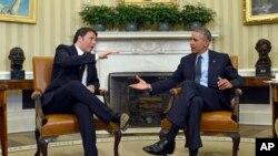 Presiden AS Barack Obama (kanan) menerima kunjungan PM Italia Matteo Renzi di Gedung Putih, Jumat (17/4).