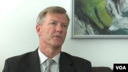 Ambasador Bruce Berton