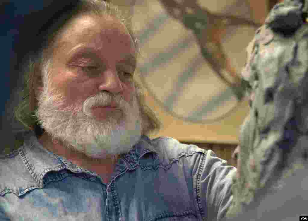 Григорий Потоцкий. Работа над скульптурой