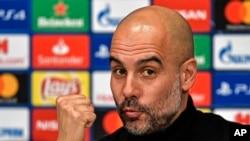 Pep Guardiola lors d'une conférence de presse d'avant-match contre Schalke 04, Allemagne, le 19 février 2019