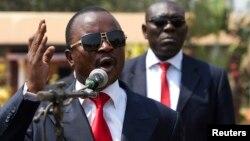 中非共和国全国过渡委员会主席亚历山大·费迪南德·恩根代