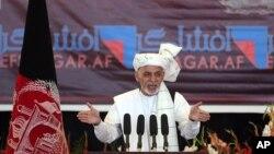 افغان صدر د غونډې ګډونوالو ته وویل، له هغې ورځې راهیسې چې واک ته رسیدلی، پاکستان ته یې په سختو او حساسو حالاتو کې د دوستۍ لاس اوږد کړ خو د هغوی له لورې رد شو.