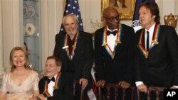 Опра Винфри и Пол Мекартни почестени во Центарот Кенеди