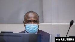 LRA တပ္မွုးေဟာင္း Dominic Ongwen နိုင္ငံတကာ ရာဇ၀တ္ခံုရံုး ICC မွာ တရားရင္ဆိုင္စဥ္ (ဓာတ္ပံု- REUTERS)