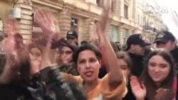 """Bakıda 8 Marş – """"Bizimdir hürr küçələr"""" şüarı ilə feministlər aksiya keçiriblər"""