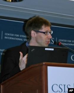 伦敦大学亚非研究院台湾研究中心副主任罗达菲