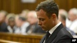 Vận động viên Oscar Pistorius tại tòa án vào ngày 21/10/2014.