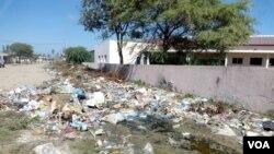 Lixo em Benguela