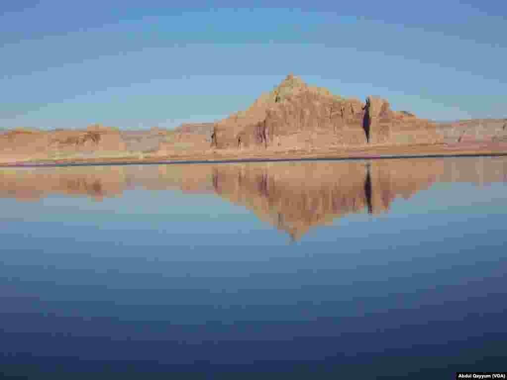 امریکی ریاست ایروزونا میں واقع جھیل پاول