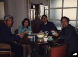 从左至右:许良英、李淑娴、方励之、刘宾雁四人起草反右三十年联署信
