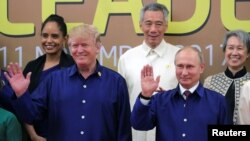TT Mỹ Donald Trump và TT Nga Vladimir Putin tại Hội nghị thượng đỉnh APEC ở Đà Nẵng, Vietnam, ngày 10/11/2017.