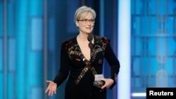 """""""El irrespeto invita irrespeto, la violencia incita a la violencia. Y cuando los poderosos usan sus puestos para acosar a otros todos perdemos"""", dijo Streep en su discurso refiriéndose sin nombrarlo a Donald Trump."""